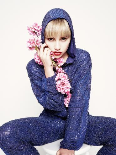 Suki Waterhouse Instyle